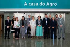 CNA se reúne com adidos brasileiros