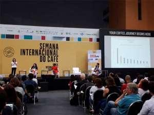 Angelica Salado fala sobre mercado global de café em painel durante a SIC