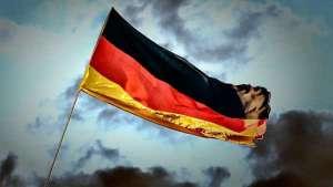 """Coronavírus coloca economia da Alemanha em """"alerta vermelho"""""""
