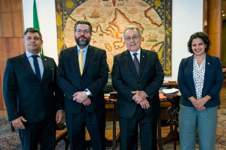 CNA apresenta projeto de internacionalização do Agro para o ministro das Relações Exteriores