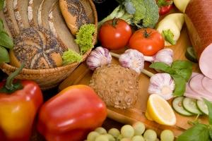 Preços globais dos alimentos ficam estáveis em março, diz FAO