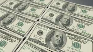 Dólar atinge R$ 4 com percepção de melhora na economia dos EUA