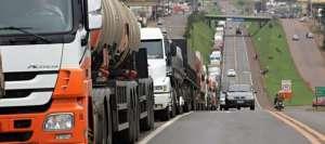 Governo anuncia crédito de R$ 30 mil para caminhoneiro autônomo (REUTERS)