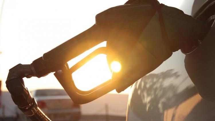 CNT elogia reajuste do diesel a cada 15 dias e diz que não há sinais de greve