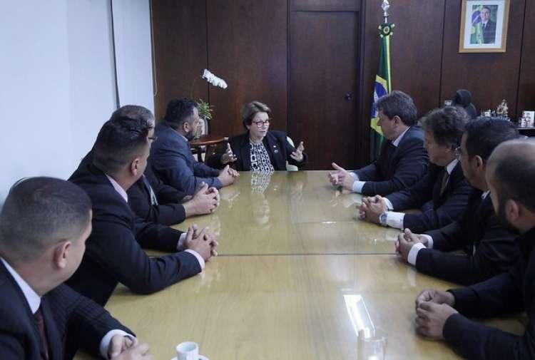 Ministros recebem representantes dos caminhoneiros e discutem medidas para ajudar categoria