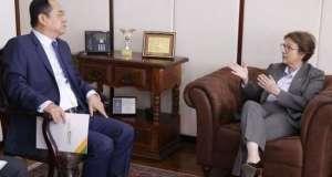 Ministra e embaixador da China debatem relação comercial