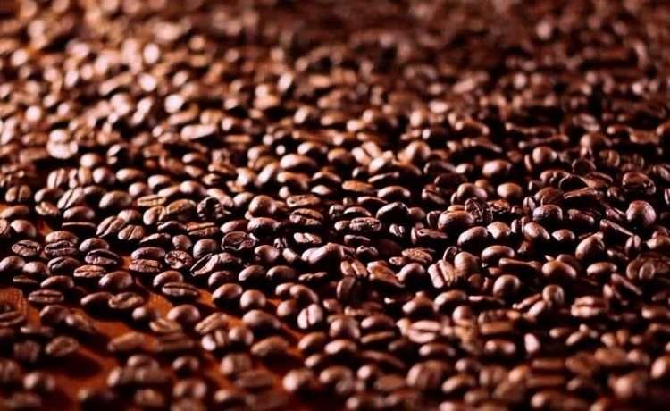 Por melhor preço, produtores de café atacam NY e Londres