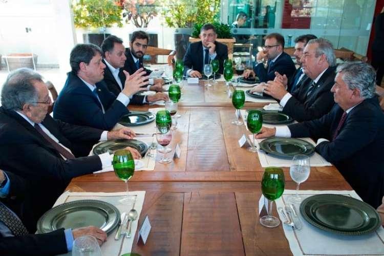 Presidente da CNA e ministros debatem temas de interesse do setor e do País