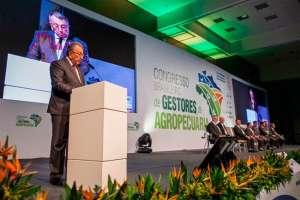Presidente da CNA defende acesso de produtores a tecnologias com assistência técnica