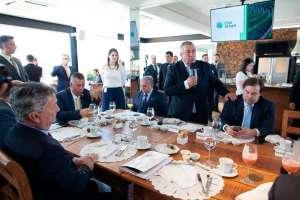 CNA recebe FPA e presidente da Câmara para debater pautas prioritárias para o setor