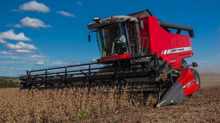 Venda de máquinas agrícolas e rodoviárias cresce 23,5% no primeiro trimestre